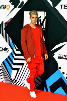 Justin Bieber. | Here's What Everyone Wore At The MTV EMAs