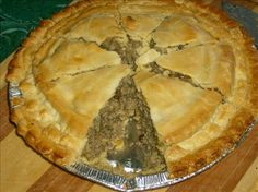 Special Pork Tourtiere (meat pie) my grandmother, my mother and now my wife make them somewhat close to this recipe. Canadian Meat Pie Recipe, Pork Pie Recipe, Pasty Pastry, Aloo Pie, Luncheon Menu, Good Food, Yummy Food, Baked Ham, Pie Recipes