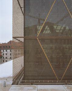 metal facade -The Jewish Center in Munich / Wandel Hoefer Lorch + Hirsch: