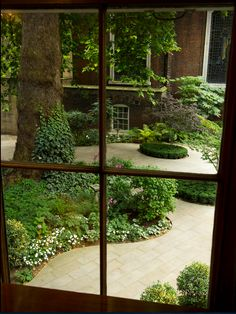 Window view of the courtyard at Stationers' Hall on Ave Maria Lane in London • photo: dieter wagner on Flickr