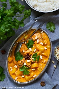 Under the Andalusian Sun food, wine and travel blog: Massaman chicken curry and Blitz Riesling