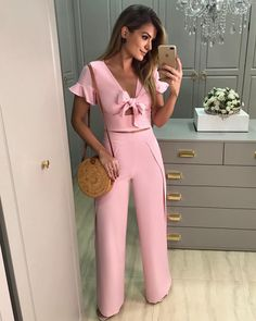 Palazzo Pants Outfit For Work. 14 Budget Palazzo Pant Outfits for Work You Should Try. Palazzo pants for fall casual and boho print. Love Fashion, Girl Fashion, Fashion Outfits, Womens Fashion, Fashion Design, Party Suits, Street Style Blog, Love Clothing, Pants Outfit