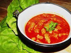 Pork stew as we like - Csülökpörkölt, ahogy mi szeretjük - Verus konyhája Pork Stew, Goulash, Thai Red Curry, Soup, Favorite Recipes, Meals, Ethnic Recipes, Gastronomia, Red Peppers