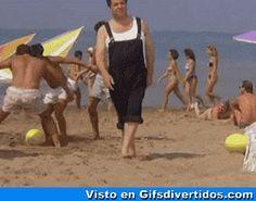 ★★★★★ Gifs animados con movimiento y brillo: Balón equivocado I➨ http://www.diverint.com/gifs-animados-movimiento-brillo-balon-equivocado/ → #gifanimadosparafacebook #gifsanimadosmundo #gifsanimadosyfrasescortas #gifsgraciosos #gifsgraciosostumblr