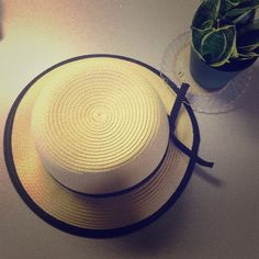 ZARA foldable straw hat very chic and comfy Zara Accessories Hats