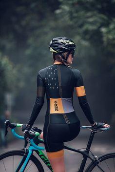 Cycling Wear, Cycling Girls, Cycling Jerseys, Carb Cycling, Cycling Outfits, Seed Cycling, Women's Cycling, Winter Cycling, Triathlon