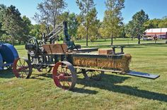 History of the Hay Press - Equipment - Farm Collector 1913 Baler Farm Tools And Equipment, Agricultural Implements, Big Tractors, Tractor Implements, Baler, Antique Tractors, Engin, Vintage Farm, Horse Drawn