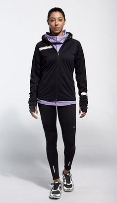 The perfect cold weather running collection brought to you by Nike Running. when my ankle is better :( Running Gear, Girl Running, Running Women, Running In Cold Weather, Winter Running, Nike Store, Running Inspiration, Workout Wear, Workout Outfits