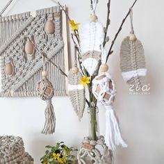 """Már csak két napig tudjuk fogadni rendeléseiteket a """"zia Easter"""" kollekciónk darabjaira.🌷🐣☺ Ne késlekedjetek!😉 www.ziamakrame.hu . . #zia… Handmade Home, Plant Hanger, Macrame, Easter, Marvel, Decoration, Instagram, Home Decor, Ideas"""