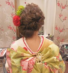 「#和装ヘア#ヘアスタイル#ヘアアレンジ #ブライダルヘア #お色直し#生花#着付け#振袖#引き振袖#ヘアセット#ヘア#着物#和装#帯結び#トリートドレッシング #結婚式#プレ花嫁#花嫁準備#花嫁#kimono#hair#hairarrange#hairdo #weddinghair #wedding…」