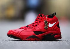 527d193ac6a38d Nike Air Maestro II Trifecta Honors Pippens Triple Double In The 1993 Finals