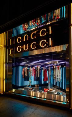 (A través de CASA REINAL) >>>> Gucci: Autumn/Winter 2015-16 www.chameleonvisual.com