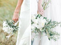 RAMOS DE OLIVO bouquets-olivo Table Flowers, Bride Bouquets, Wedding Cakes, Wedding Inspiration, Wedding Ideas, Wedding Flowers, Photoshoot, Table Decorations, Bridal