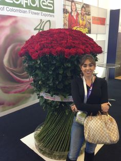 For Someone That Is Really Loved Three Dozen Roses In A Tasteful Gl Vase Is The Perfect Arrangement To Purchase The Long