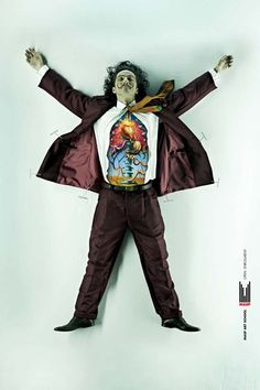 DDB Brasil, ha creado una espectacular campaña publicitaria para las inscripciones de la Escuela de Arte MASP de São Paulo, en la que diseccionaron los cuerpos de los artistas Dalí, Van Gogh y Picasso, con el estilo de sus obras de arte famosas.