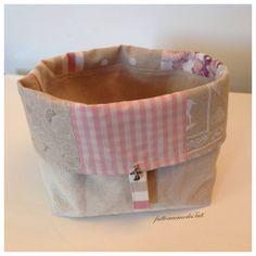 Cestino portapane patchwork in cotone sui toni del rosa ed ecrù , by fattoamanodaTati