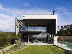 El Rancho Relaxo (Victoria, Australia) by Wolveridge Architects