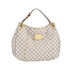 Cheap Louis Vuitton Galliera PM This body friendly bag comes in a light and supple leather for greater flexibility and comfort. With its chic Damier Azur canvas and elegant shape, it looks stunning too. Louis Vuitton Damier, Louis Vuitton Galliera Pm, Louis Vuitton Taschen, Louis Vuitton Handbags, Lv Handbags, Handbags Online, Purses Online, Designer Handbags, Large Handbags