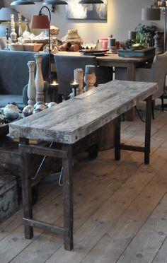 Stoere oude wandtafel - tafels