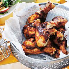 BBQ-kycklingklubbor med lönnsirapsdipp