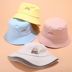 Fishers Hat, Mode Pastel, Mode Adidas, Bucket Hat Outfit, Vetement Fashion, Tyler The Creator, Cute Hats, Outfits With Hats, Kanye West
