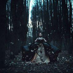 Autumn queen and leaves #raven queen