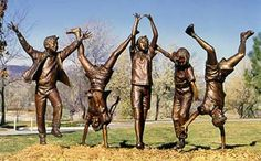 """Olympic Wannabes"" large scale bronze sculpture by American artist Glenna Goodacre. Installed at Bayfront Park, Sarasota, FL. Art Sculpture, Abstract Sculpture, Bronze Sculpture, Metal Sculptures, Glenna Goodacre, Graffiti Murals, Graffiti Artists, Pavillion Design, Minimalist Garden"