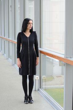 Maria in a zip-dress