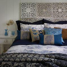 Midnight dormitorio azul y blanco | ideas de diseño dormitorio rural | Dormitorio | GALERIA DE FOTOS | Country Homes and Interiors | Housetohome.co.uk
