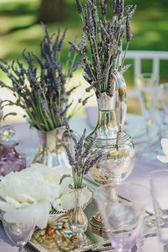 There so many details at the elegant rustic inspiration shoot that made me fall head over heels in love... that I seriously don't know where to begin! It w
