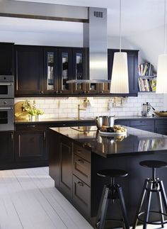 Especial cocinas en color negro. Black kitchens