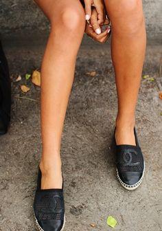 Chanel. Flats.
