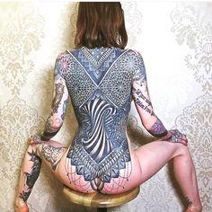 #ink #women #tattoedgirl #tattoos #girlswithtattoos #instatattoo #traditionaltattoo #tattooistartmag #hennatattoo #japanesetattoo #realistictattoo #blackandgreytattoo #skulltattoo #chesttattoo #rosetattoo #sleevetattoo #tattooart #fullbodytattooing #fullbodytattoo #fullbodytattoogirl #beautifulwomen #tattoomodel #tattooist