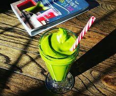 Zielony koktajl inspirowany książką Zielone Koktajle 365 przepisów