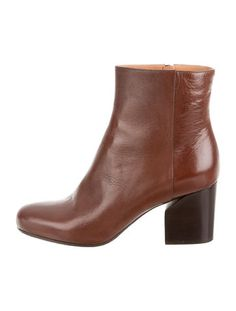 Brown leather Maison Martin Margiela round-toe ankle boots #ForeverFavorite