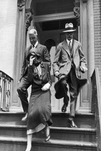 Relatives of the Titanic's drowned passengers leave the White Star Line offices, having just heard the dreadful news.
