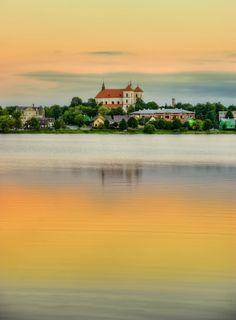 Golden Trakai, Lithuania.  Photo by Laimonas Ciūnys, http://www.laimonofoto.lt/