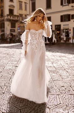 tom sebastien 2020 bridal sheer detached long puff sleeves strapless sweetheart fully embellished a line ball gown wedding dress chapel train mv -- Tom Sébastien 2020 Wedding Dresses Stunning Wedding Dresses, Wedding Dress Trends, Dream Wedding Dresses, Boho Wedding Dress, Bridal Dresses, Wedding Gowns, Bridal Collection, Beautiful Bride, Pretty Dresses