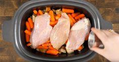 Ce qu& ajoute ensuite nous assure d& succès! Plat Vegan, Crockpot Dishes, Tupperware, Pot Roast, Slow Cooker, Sausage, Frozen, Food And Drink, Favorite Recipes