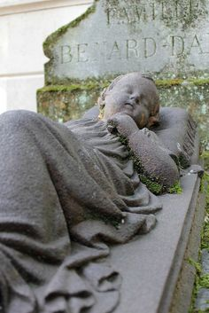 Any statue or monument found in cemetery. Cemetery Monuments, Cemetery Statues, Cemetery Headstones, Old Cemeteries, Cemetery Art, Graveyards, Unusual Headstones, Gardens Of Stone, Cemetery Angels