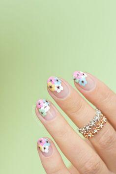 10 Negative Space Nail Art Designs