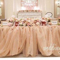 #メインテーブル こんな感じかわいいな( ⸝⸝・໐・⸝⸝ ) 私チュールが 好きみたい♪̊̈♪̆̈♪̊̈♪̆̈♪̊̈笑 #プレ花嫁 #結婚式準備