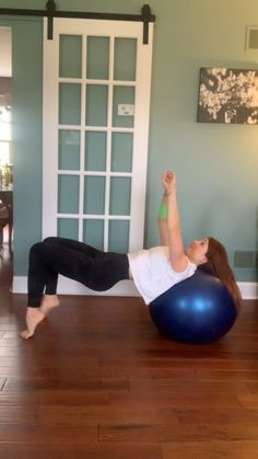 Stability Ball Booty Toning Exercise Stabilize through your core. Squeeze those glutes and keep them activated through the entire sequence. Fitness Workout For Women, Fitness Goals, Yoga Fitness, Fitness Tips, Toning Workouts, Butt Workout, At Home Workouts, Ball Workouts, Fitness Bodybuilding