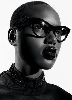 3da6290230 The glasses   the lady Black Models