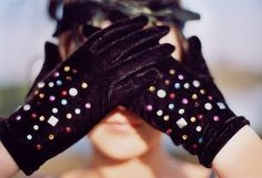 Love jewelled gloves