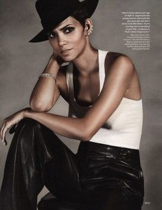 Fierce: Halle Berry InStyle Black trousers and white tank Estilo Halle Berry, Halle Berry Style, Halle Berry Hot, My Black Is Beautiful, Beautiful People, Hally Berry, Photo Star, 54 Kg, Instyle Magazine