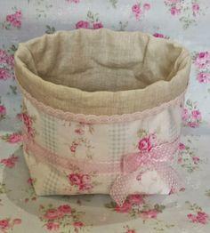 Hoy hemos disfrutado del curso de cestas de tela en petit comité. Solo Ana, Isabel, Pilar y yo. Estas son sus cestas.            Como mucha...