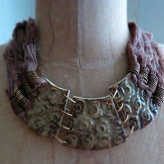 nice choker necklace with cuff-like beads