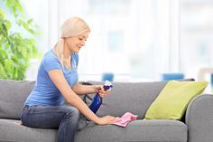 Cómo Limpiar Tapizados y Telas con Productos Naturales