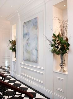Classical Wall Decor inspiration using wall panels. Interior Neoclásico, Classic Interior, Home Interior Design, Neoclassical Interior Design, Natural Interior, Simple Interior, Interior Ideas, Wall Design, House Design
